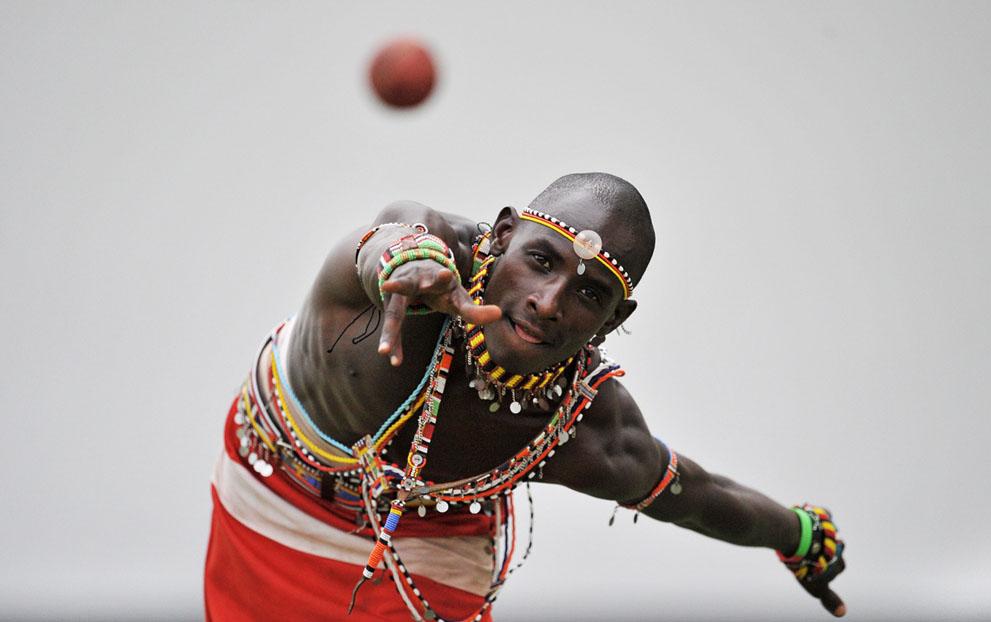 s m13 40839843 Команда по крикету из племени масаи