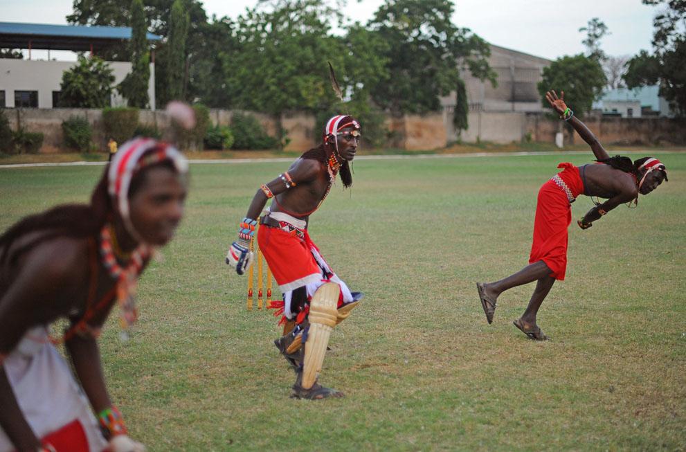s m14 40839837 Команда по крикету из племени масаи