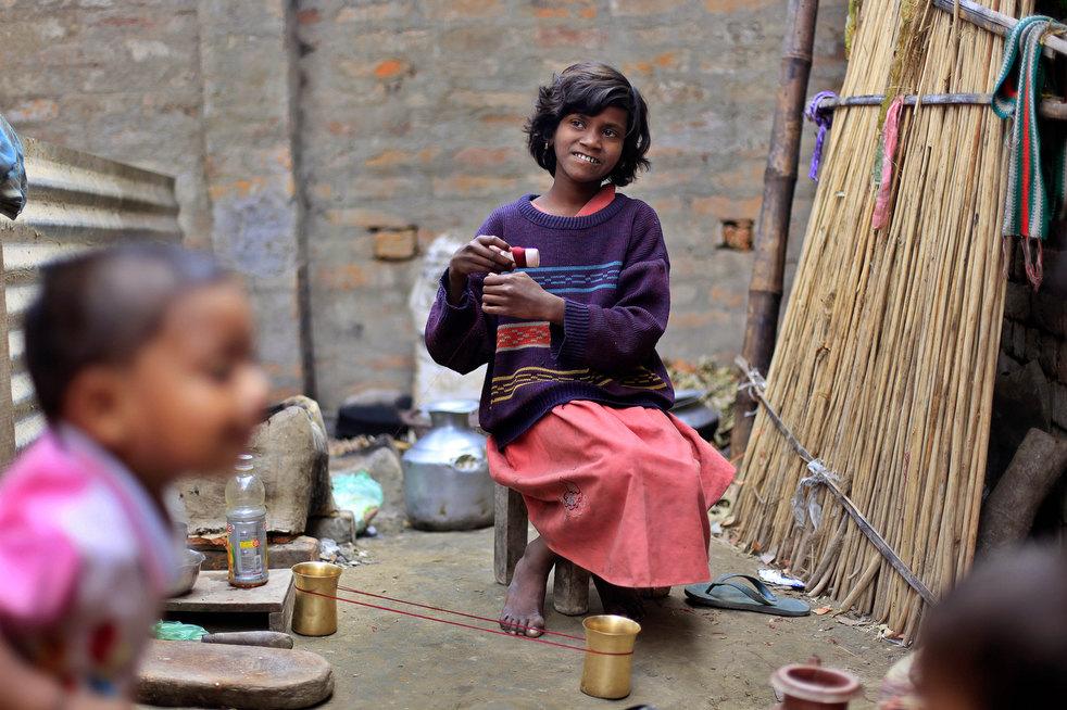 tobacco roller 09 Индийская девочка в табачном плену