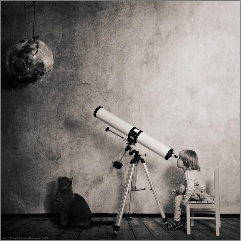 темная сторона луны 800x800 Маленькая девочка и кот Том