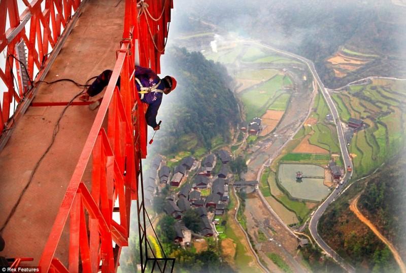 0 88996 3f96edf4 orig 800x537 Китайцы построили самый длинный в мире мост через пропасть