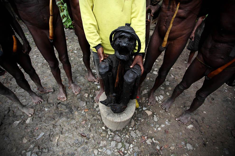 11129 Племя Дани из Западной Папуа
