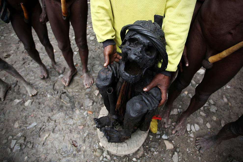 12104 Племя Дани из Западной Папуа