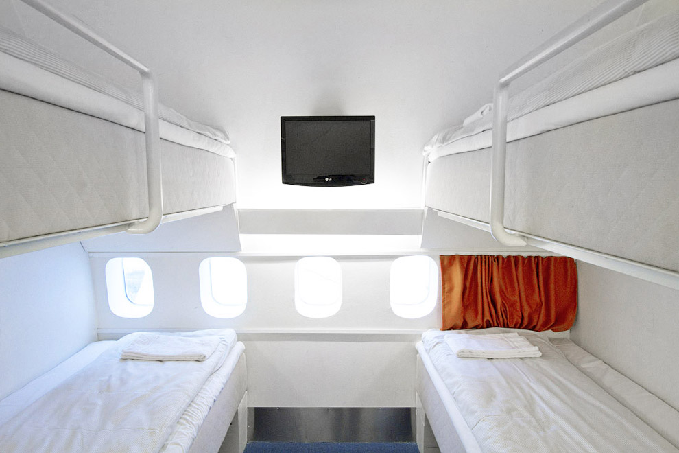 12115 Отель в самолете