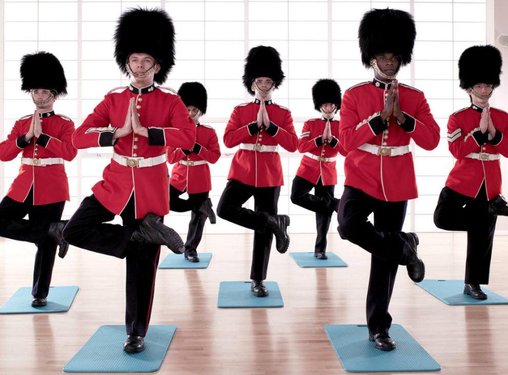 12161 Лондонские гвардейцы готовятся к Олимпиаде