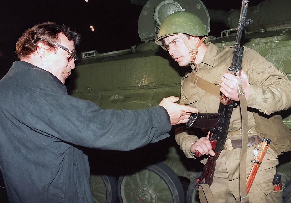 1299 Самые яркие кадры последних месяцев существования СССР