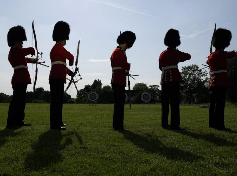 13142 Лондонские гвардейцы готовятся к Олимпиаде