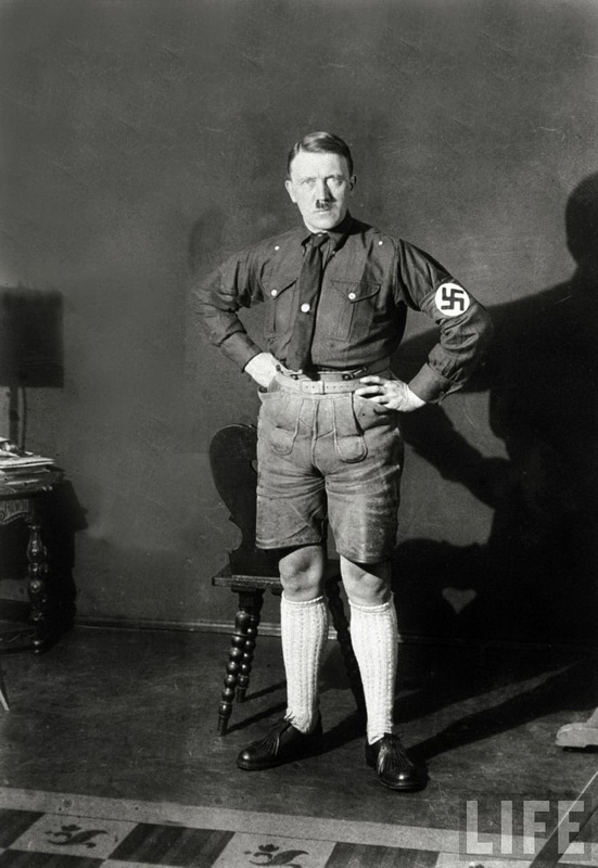 1324 Жизнь Адольфа Гитлера в фотографиях