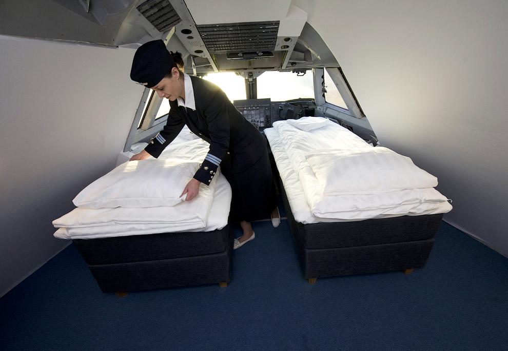 1399 Отель в самолете