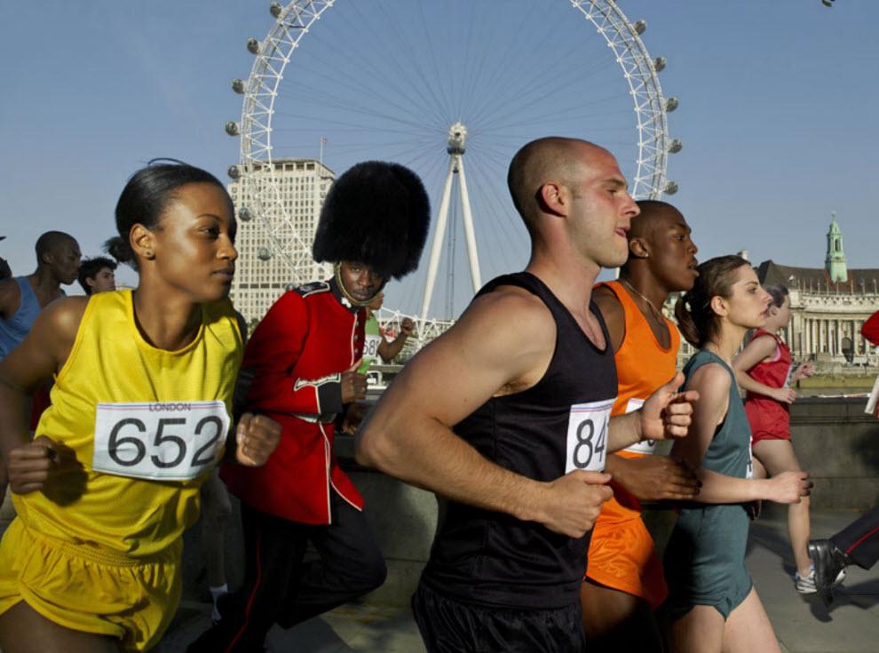 14129 Лондонские гвардейцы готовятся к Олимпиаде