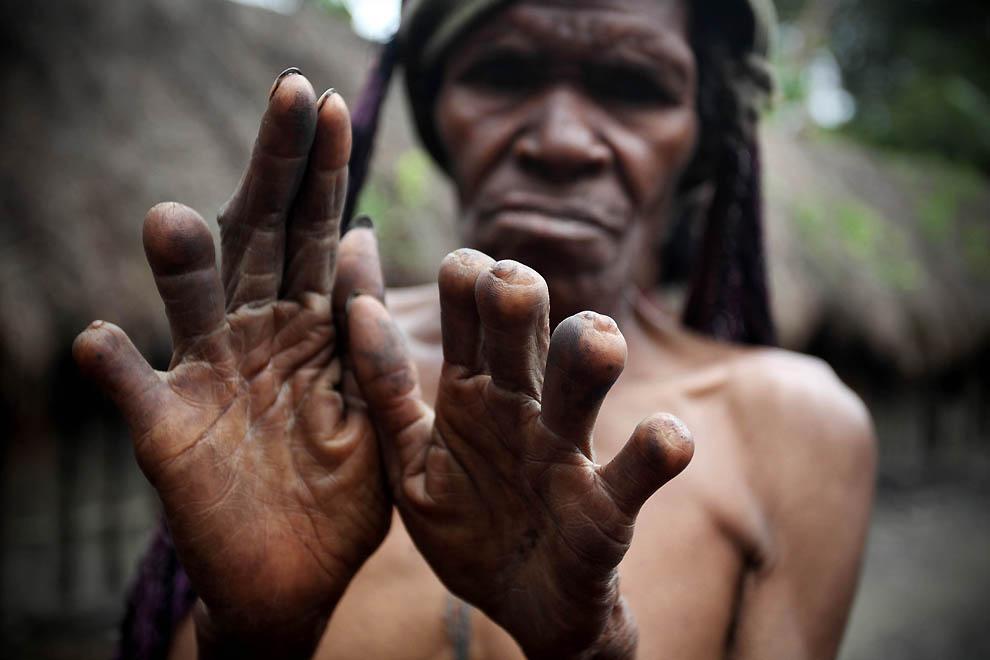 1477 Племя Дани из Западной Папуа