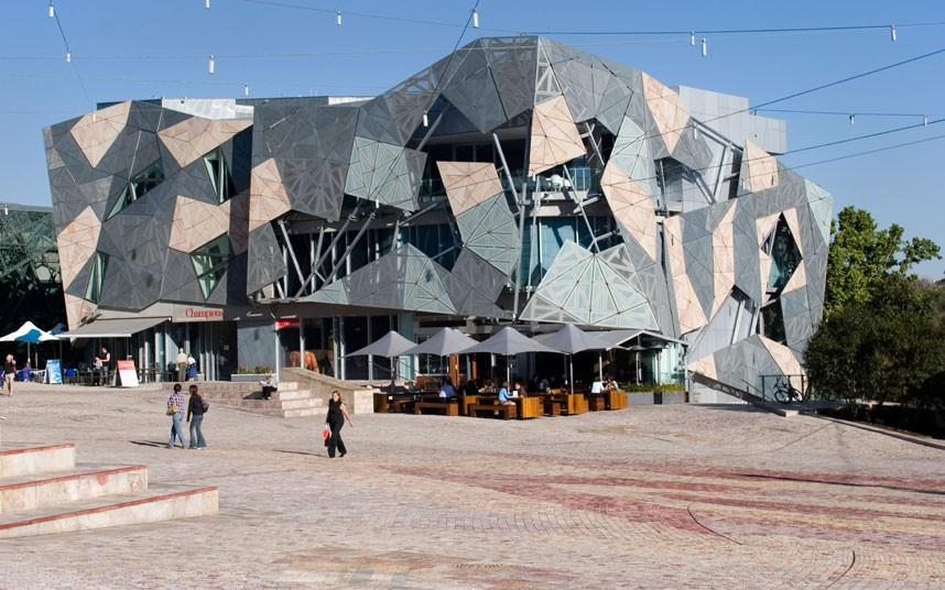 149 Самые уродливые здания мира