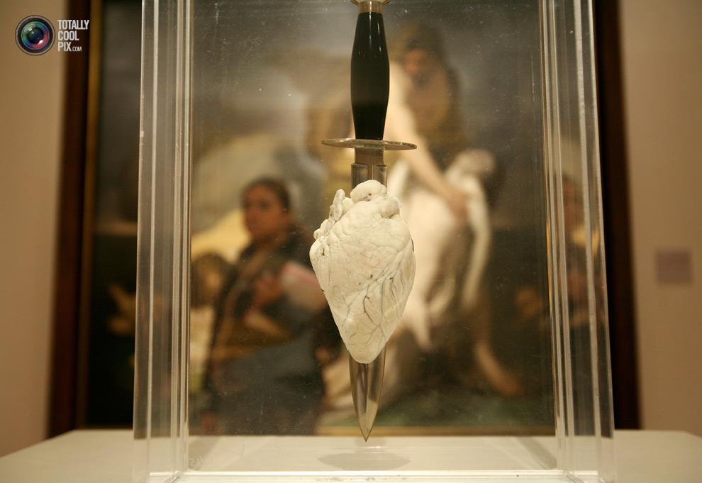 1528 Творчество Дэмьена Хёрста в фотографиях