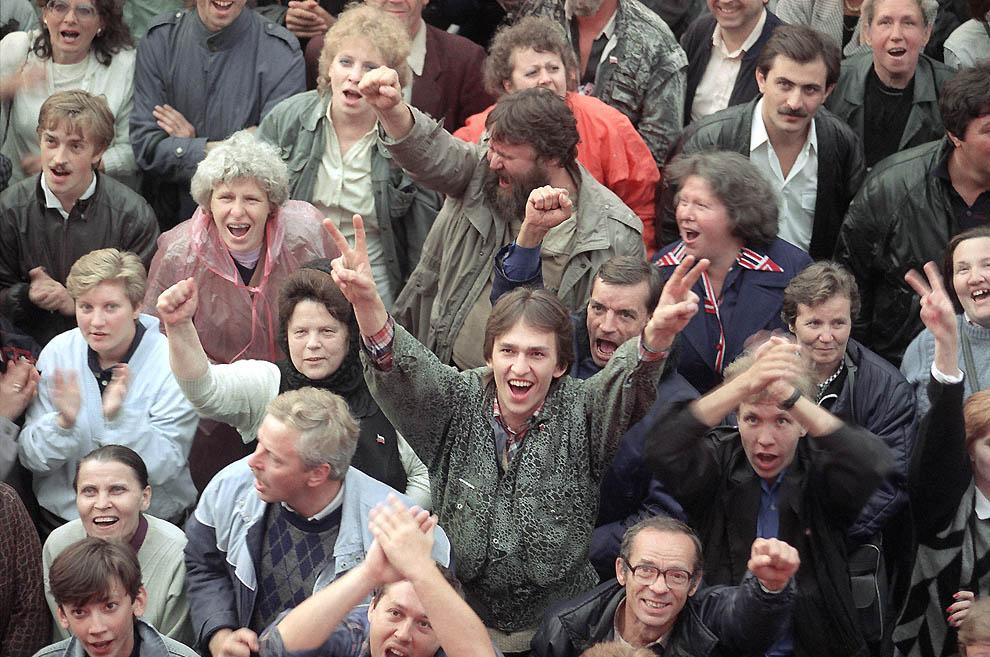 1659 Самые яркие кадры последних месяцев существования СССР
