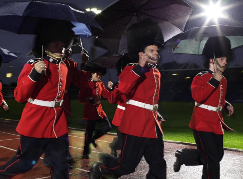 17102 Лондонские гвардейцы готовятся к Олимпиаде