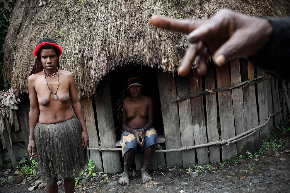 1954 Племя Дани из Западной Папуа