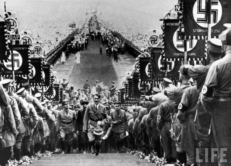 2014 Жизнь Адольфа Гитлера в фотографиях