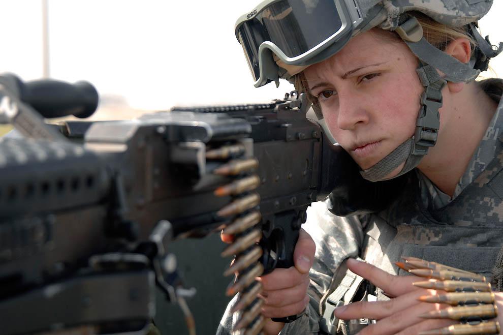 2044 Женщины в американской армии