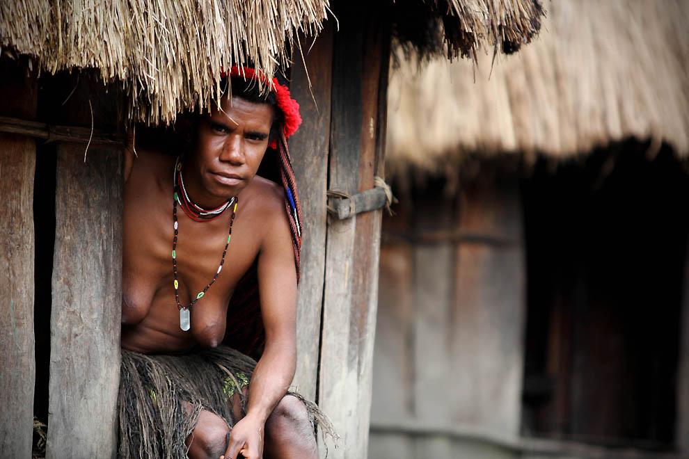 21104 Племя Дани из Западной Папуа