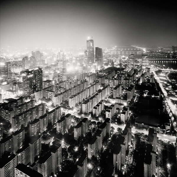2112 Черно белая красота больших городов