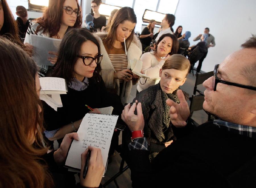 2118 За кулисами нью йоркской недели моды сезона осень 2012
