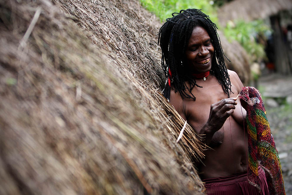 2204 Племя Дани из Западной Папуа