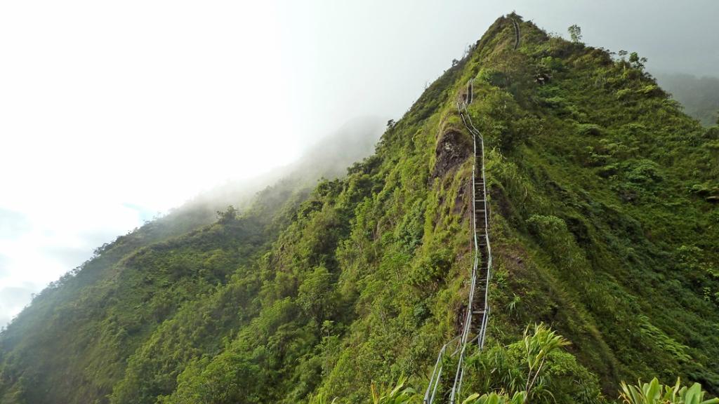2276 Лестница Хайку на Гаваях