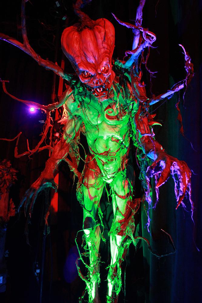 2339 Бал монстров   Выставка Monsterpalooza