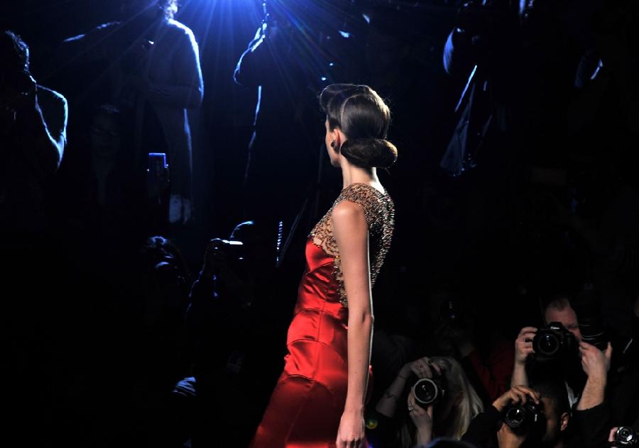 257 За кулисами нью йоркской недели моды сезона осень 2012