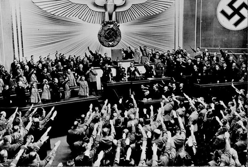 269 Жизнь Адольфа Гитлера в фотографиях