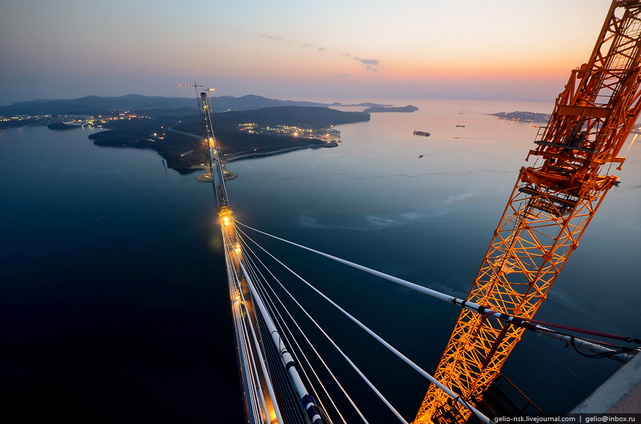 2735 Мост на остров Русский во Владивостоке (Апрель 2012)