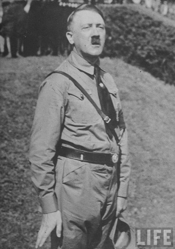 288 Жизнь Адольфа Гитлера в фотографиях