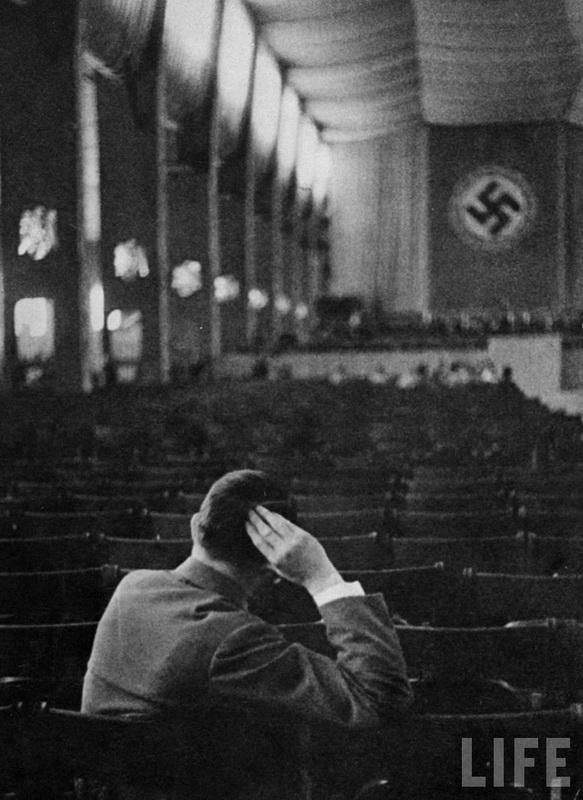 297 Жизнь Адольфа Гитлера в фотографиях