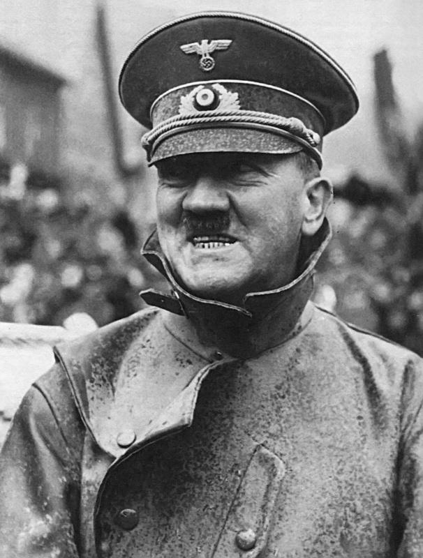 307 Жизнь Адольфа Гитлера в фотографиях