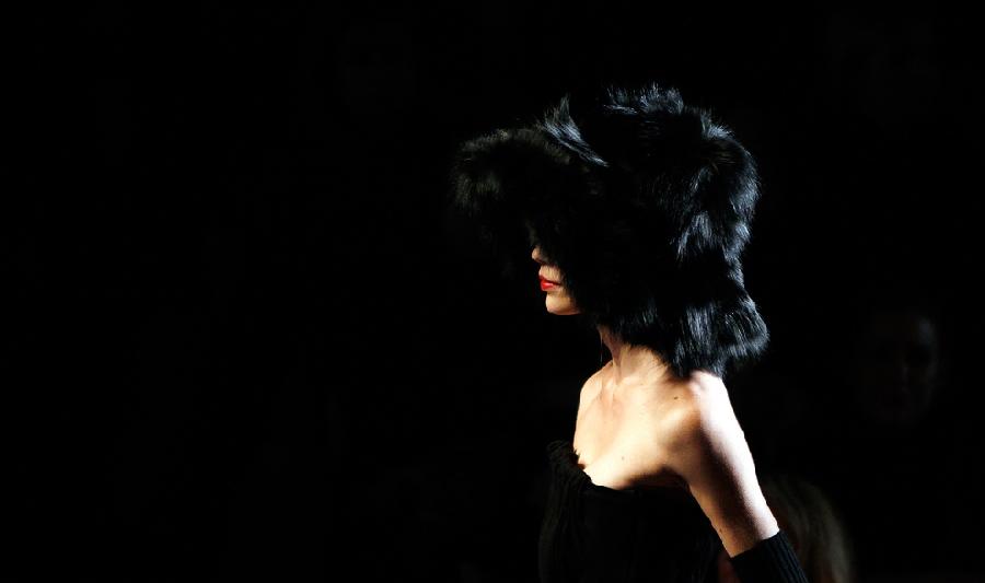 3113 За кулисами нью йоркской недели моды сезона осень 2012