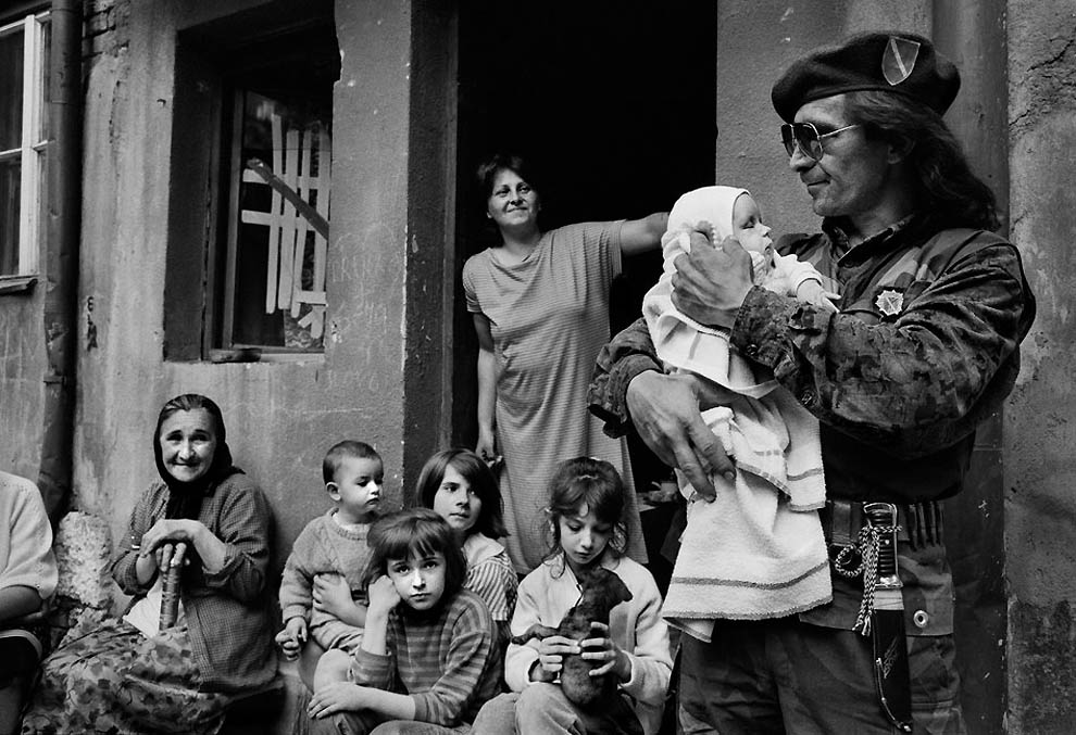 3122 Женщины Сараево тогда и сейчас