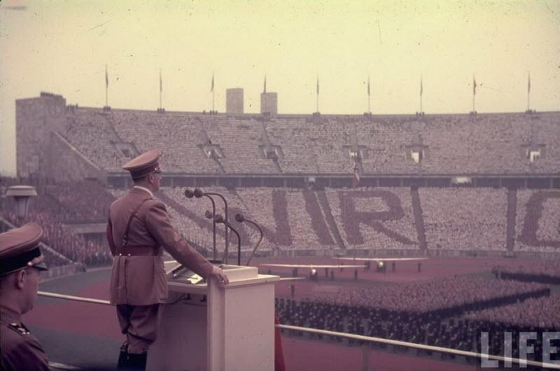 3311 Жизнь Адольфа Гитлера в фотографиях