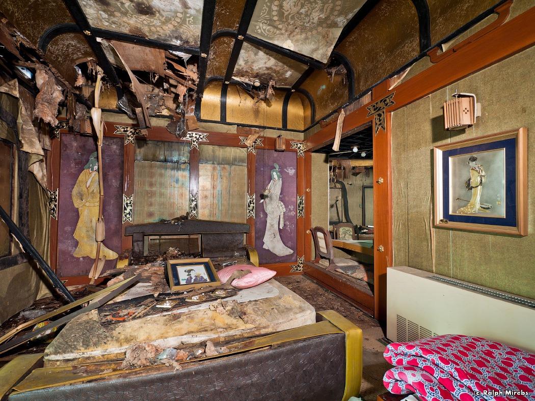 3410 Заброшенный отель в Японии
