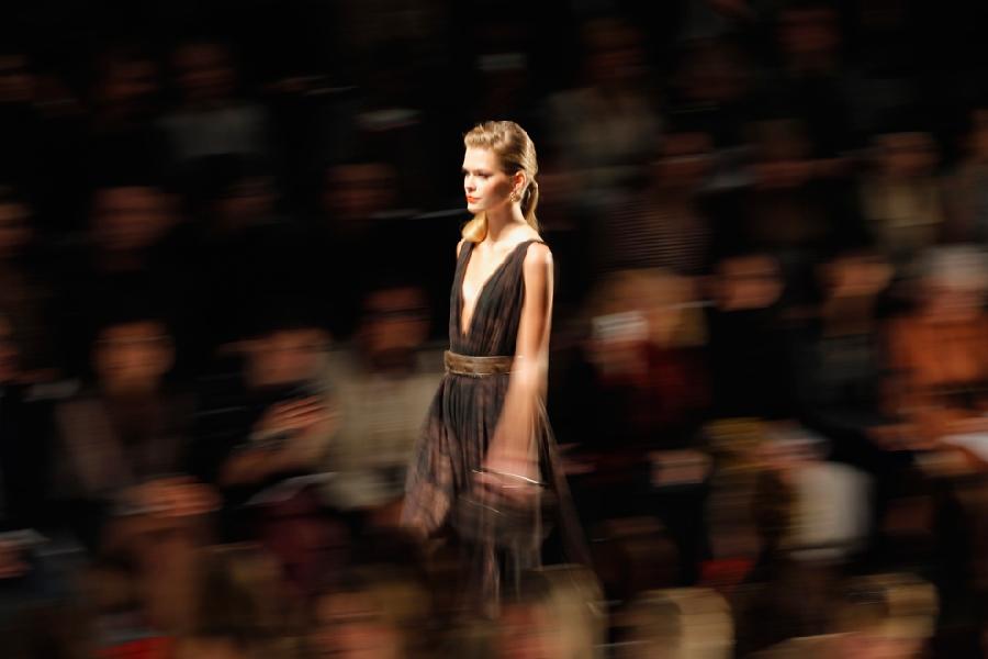 354 За кулисами нью йоркской недели моды сезона осень 2012