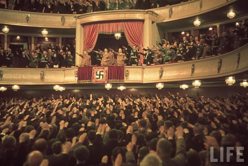 356 Жизнь Адольфа Гитлера в фотографиях
