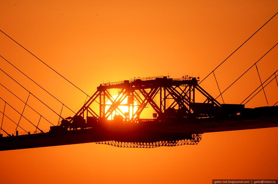 3820 Мост на остров Русский во Владивостоке (Апрель 2012)