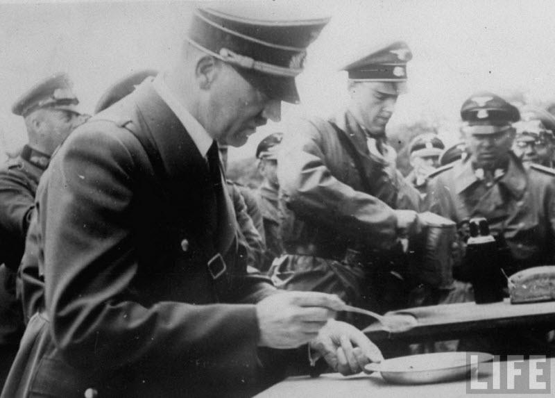 396 Жизнь Адольфа Гитлера в фотографиях