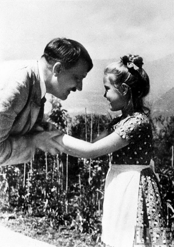 4211 Жизнь Адольфа Гитлера в фотографиях