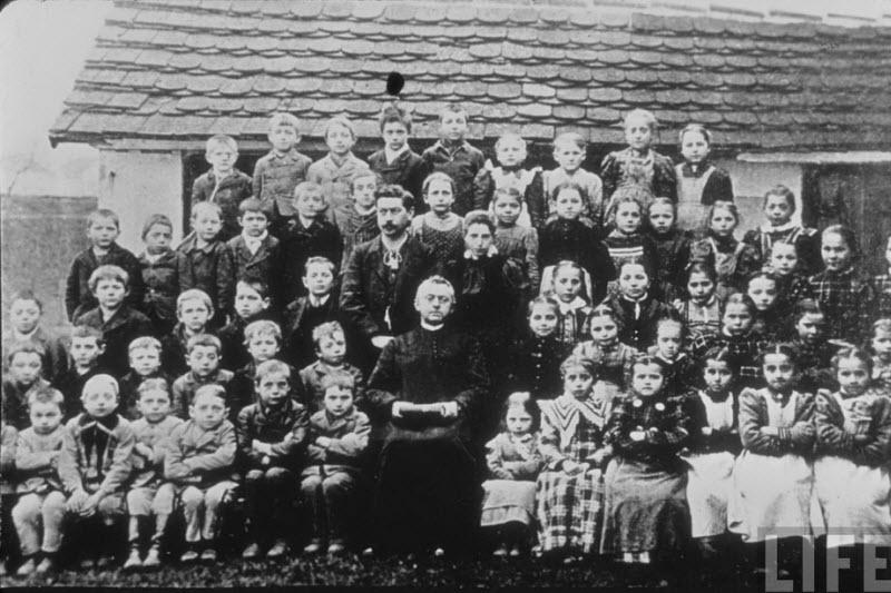 430 Жизнь Адольфа Гитлера в фотографиях