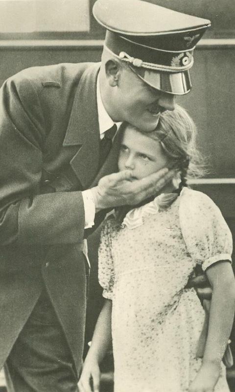 434 Жизнь Адольфа Гитлера в фотографиях