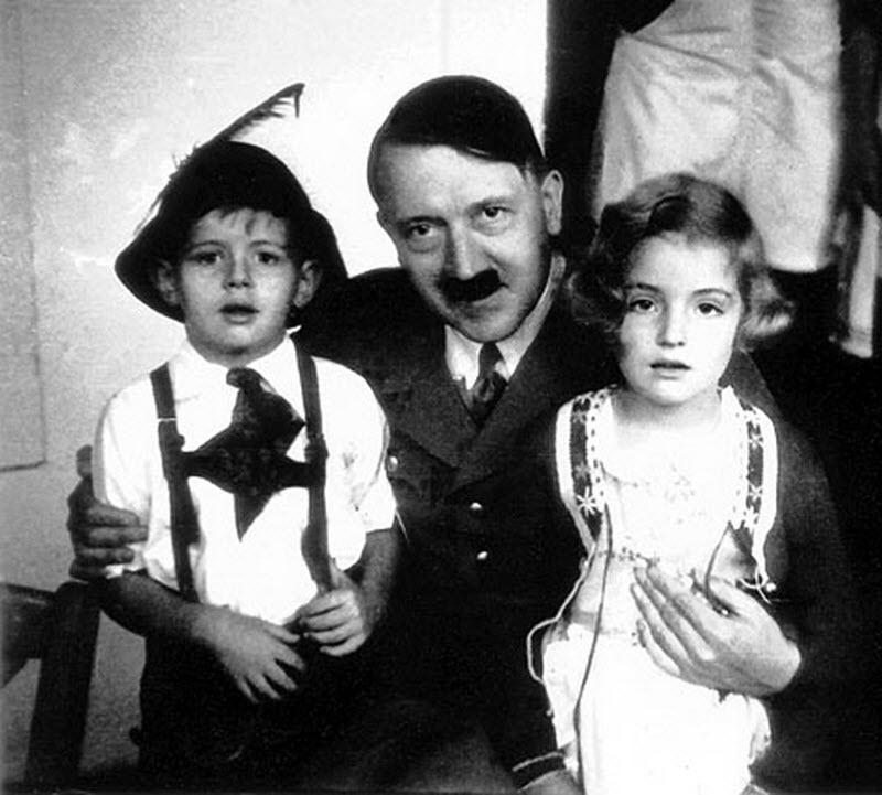 454 Жизнь Адольфа Гитлера в фотографиях
