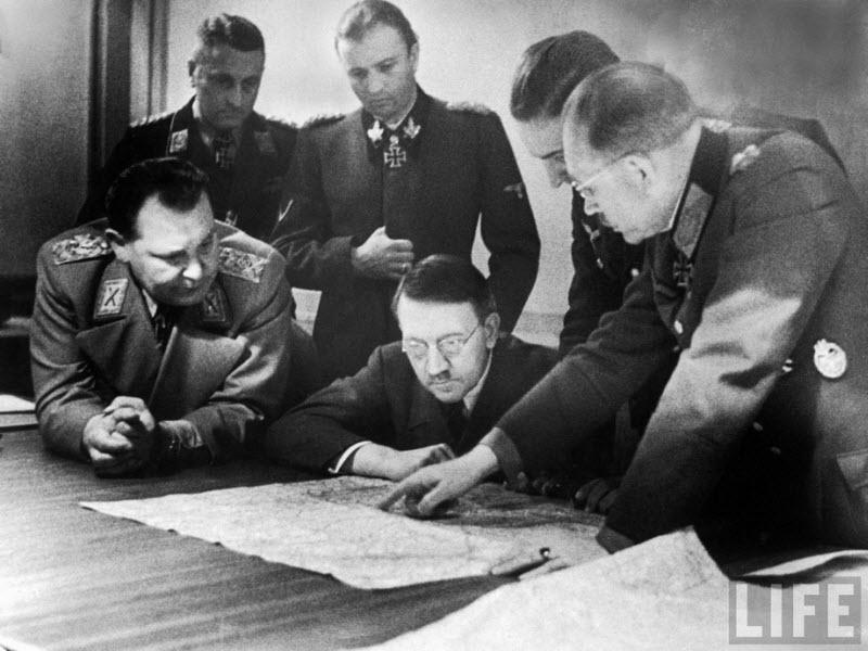 532 Жизнь Адольфа Гитлера в фотографиях