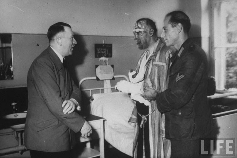 542 Жизнь Адольфа Гитлера в фотографиях