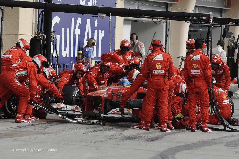 5613 За кадром Гран При Бахрейна 2012