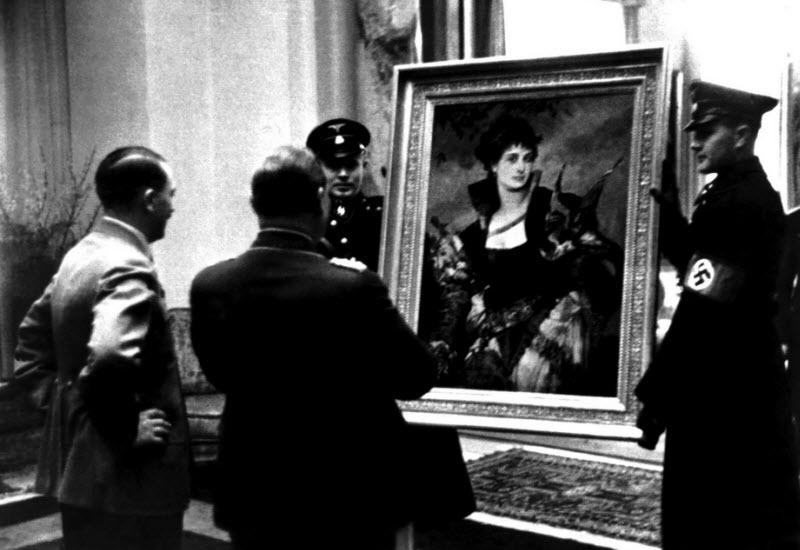562 Жизнь Адольфа Гитлера в фотографиях